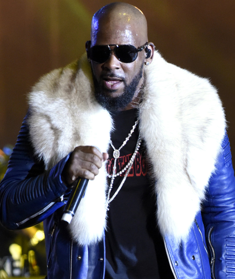 R. Kelly 'Cult' Report Grosses Out Twitter