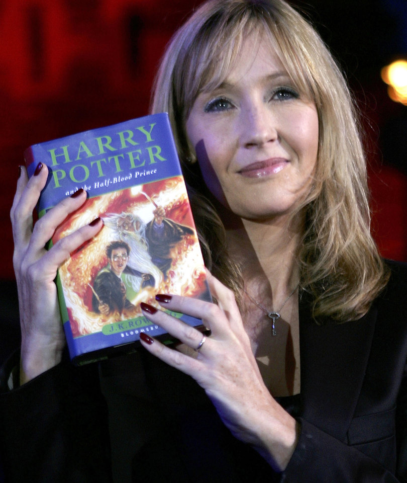 JK Rowling Releasing 2 New Harry Potter Books This Fall