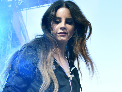 Lana Del Rey Scolds Fan Excited About Her Album Leaking