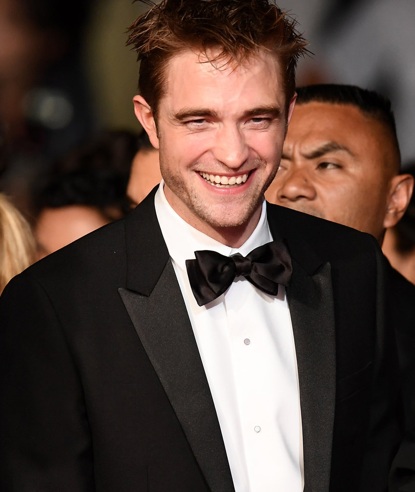 3 Buzzy Bites from Pattinson's Stern Interview: Porn, Engagement, 'Twilight'