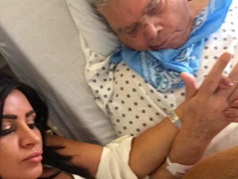 'Shahs' Star Hopes Dad Can Walk Her Down the Aisle After Hospitalization