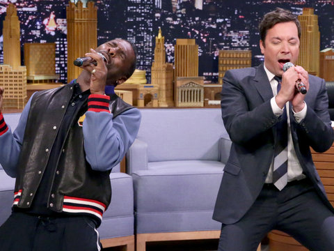 Elba and Fallon Sing 'I'll Make Love to You' with Google Translate Twist