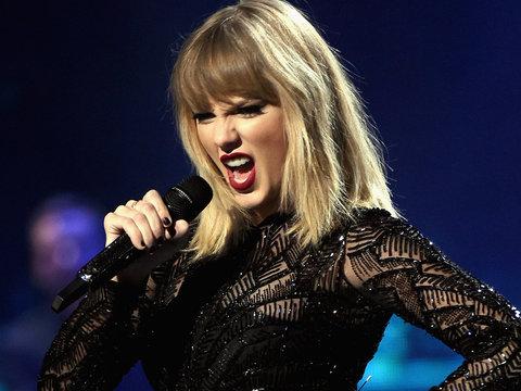 Taylor Swift Wins Groping Lawsuit Against DJ