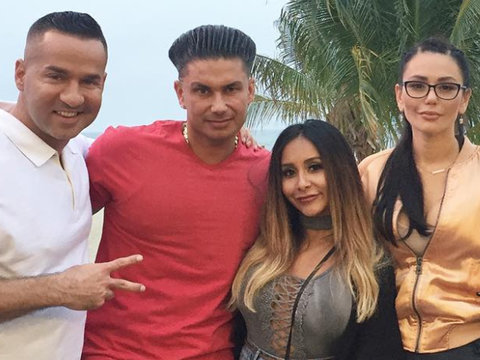 'Jersey Shore' Cast Visit Ghost of Hookups Past In New Reunion Clip