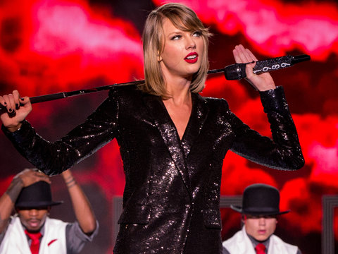 Taylor Swift Conspiracy Theories Flood Internet Amid Social Media Blackout