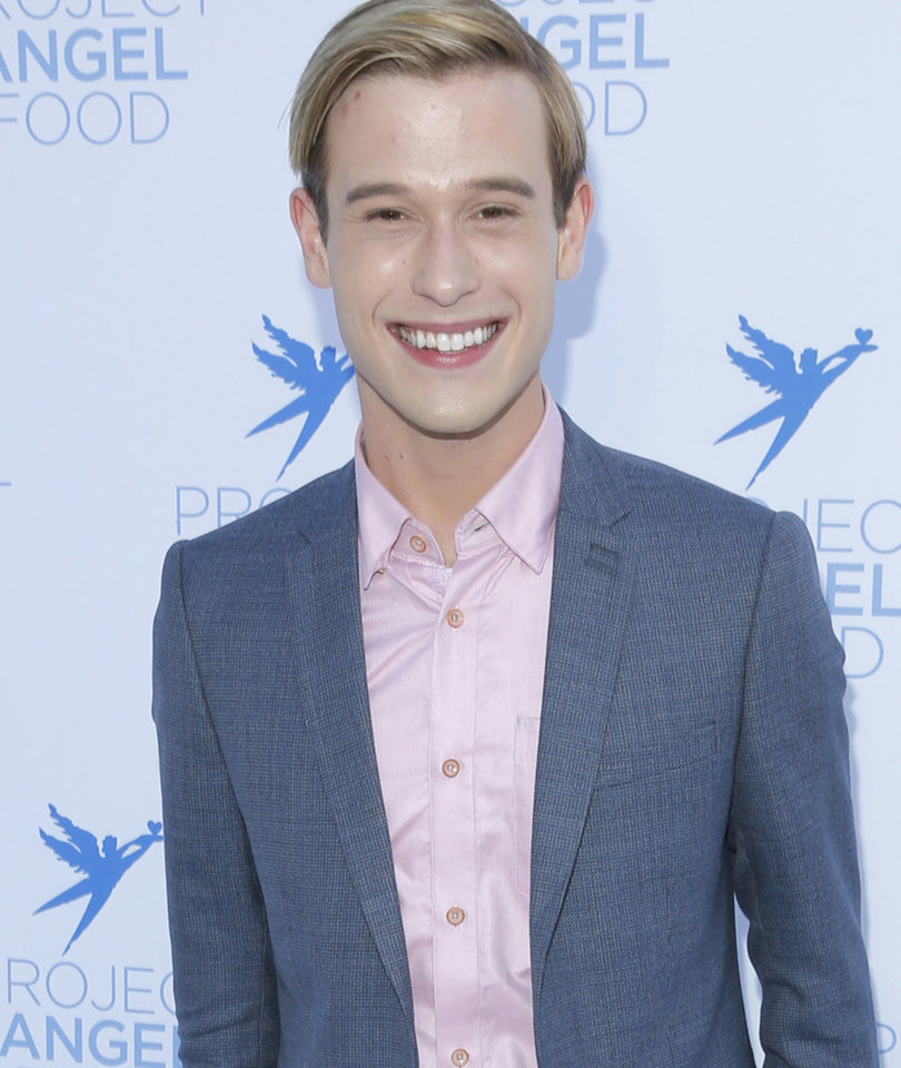 Why Henry Thought Aaron Carter Was Bisexual and More 'Hollywood Medium' Insights