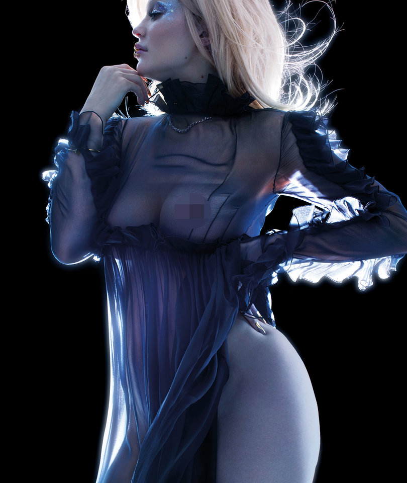 Kylie Jenner Does Her First 'Super Nude' Photoshoot for V Magazine