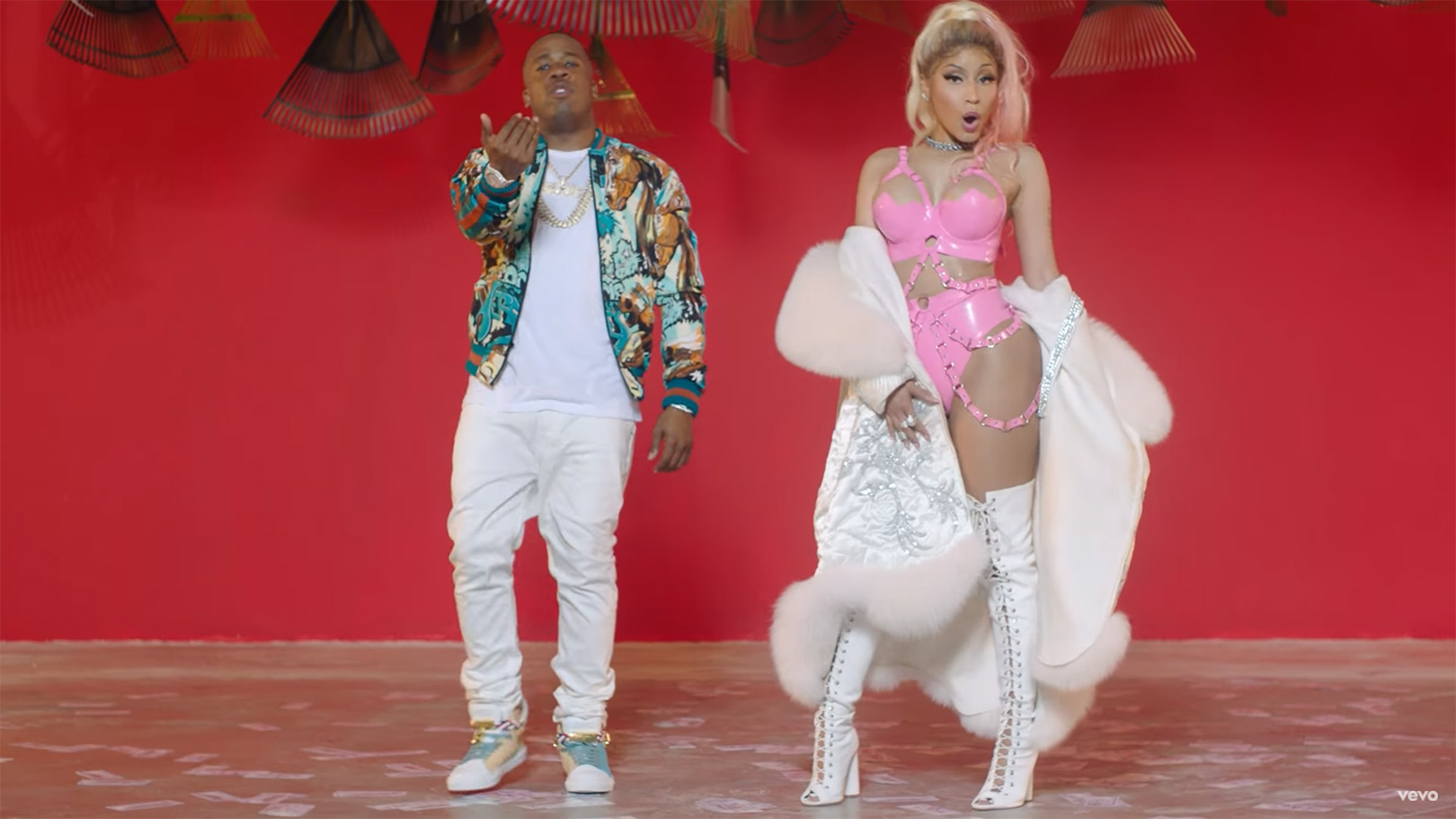 nicki_minaj_video_inset9