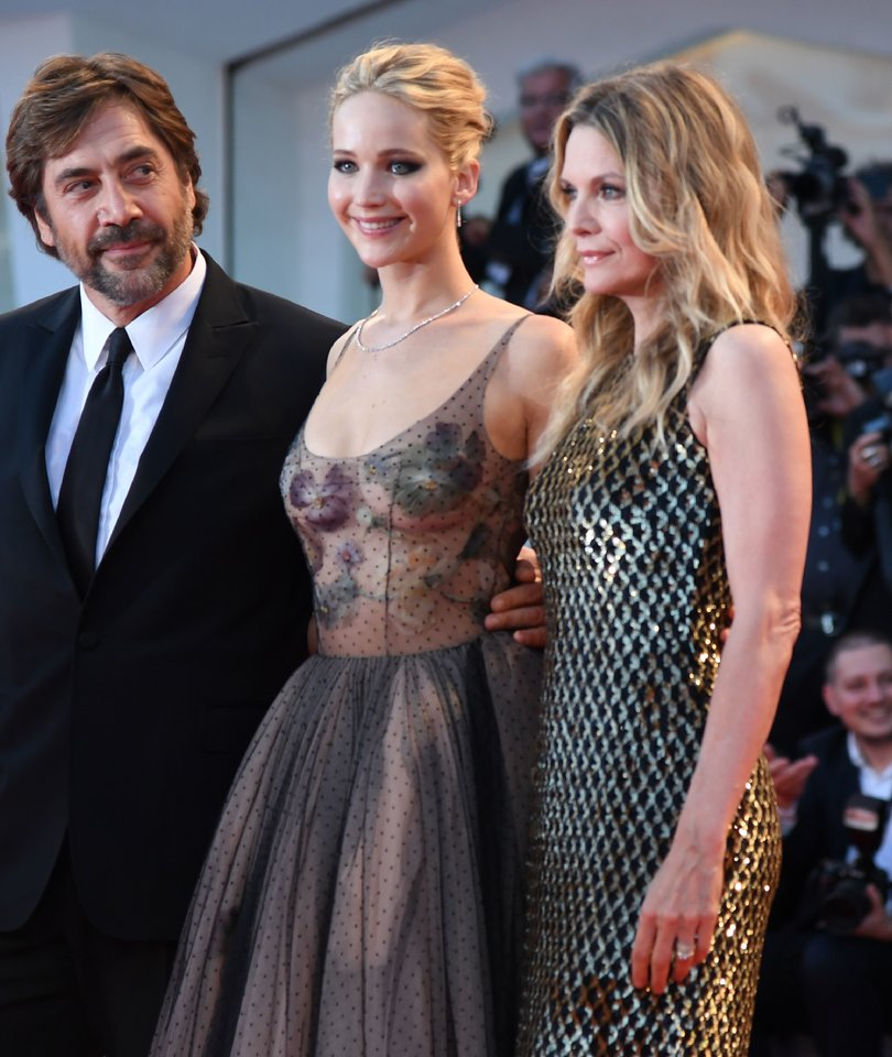 Jennifer Lawrence and Michelle Pfeiffer Stun at 'mother!' Premiere