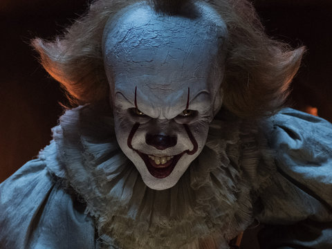 'IT' Isn't a Masterpiece, But This Pennywise Is Still Scary Enough