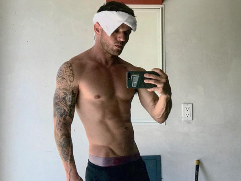 Ryan Phillippe Is Shirtless with Leg Cast and Has Us Drooling