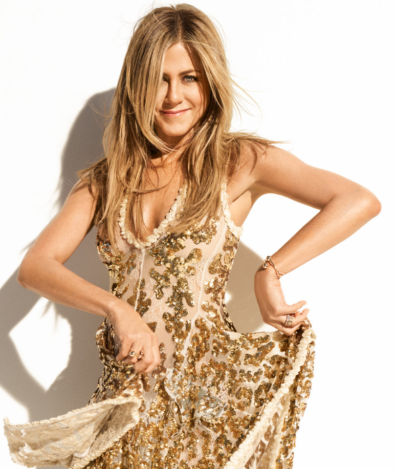 That Time Aniston Lived In a Haunted House And Her Roommate Talked to Dead…
