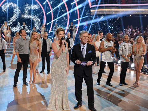 'DWTS' Cast Pick Couple to Beat and Show Off 'Go-To Party Dance Moves'
