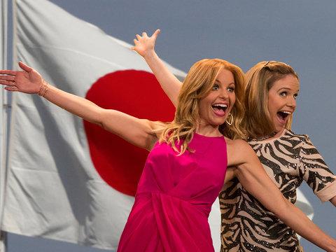 'Fuller House' Star Andrea Barber Teases 'Controversial' Season 3 'Cliffhanger'