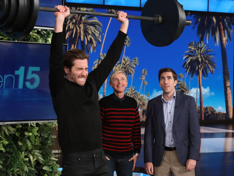 Jake Gyllenhaal Flips Tire, Tosses Keg and Pulls Golf Cart to Win $10,000 for Charity on 'Ellen'