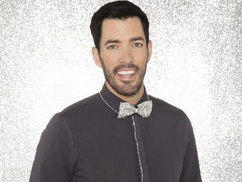 'Property Brothers' Star Drew Scott Strips to His Boxers for 'DWTS'