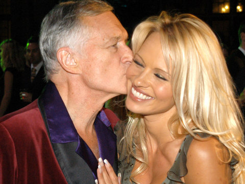 Pamela Anderson Tearfully Says 'Goodbye' to Hugh Hefner