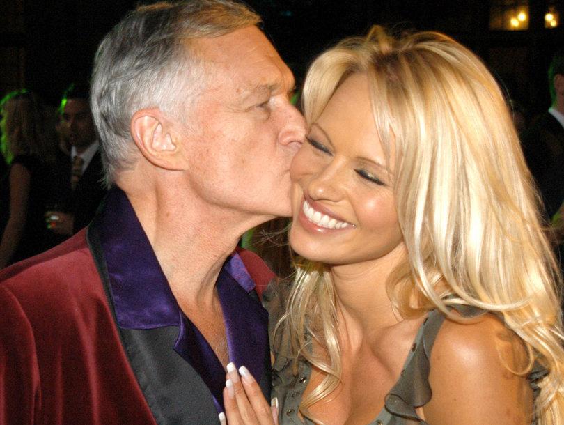 Pamela Anderson Tearfully Says 'Goodbye' to Hugh Hefner