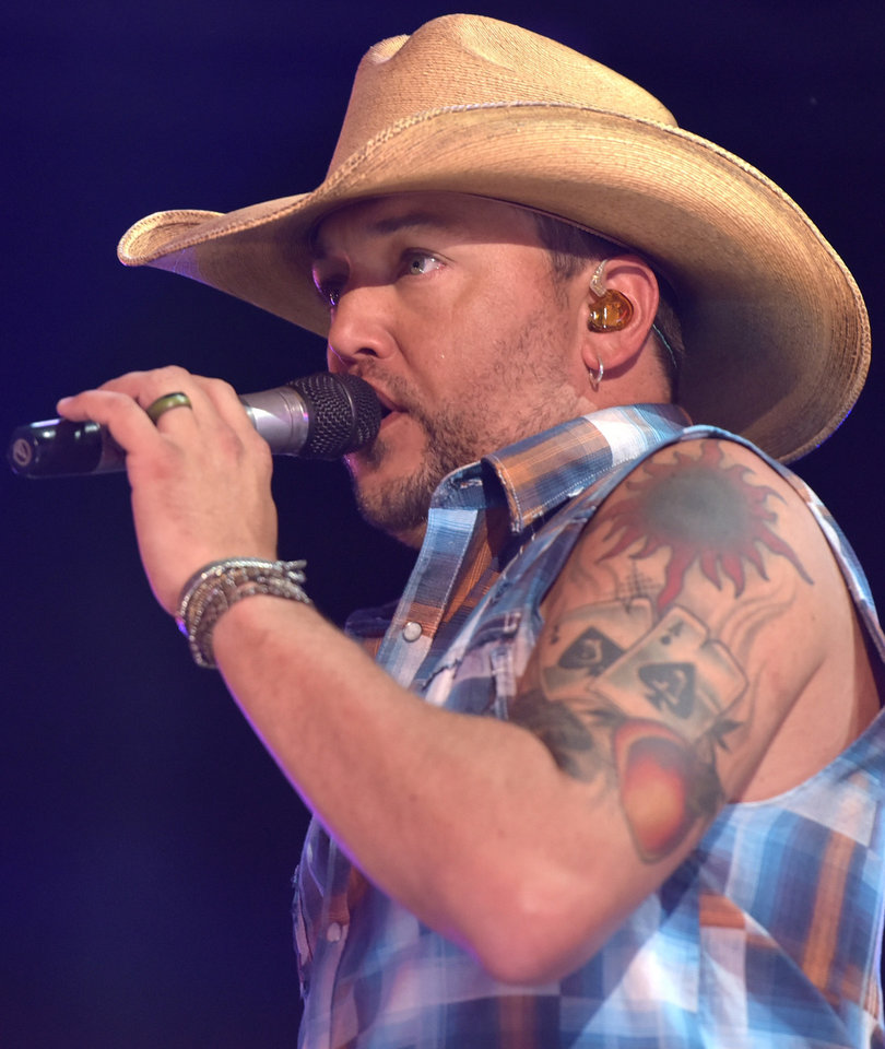 Jason Aldean Cancels This Weekend's Shows 'Out Of Respect' for Victims