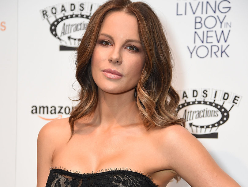 Kate Beckinsale Was 17 Years Old During Harvey Weinstein Hotel Meeting: 'He Opened the Door in His Bathrobe'