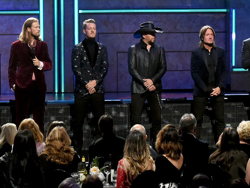 How Country Music Stars Honored Las Vegas Victims at 2017 CMT Artists of the Year Special