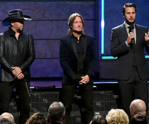 How Country Music Stars Honored Las Vegas Victims at 2017 CMT Artists of the…