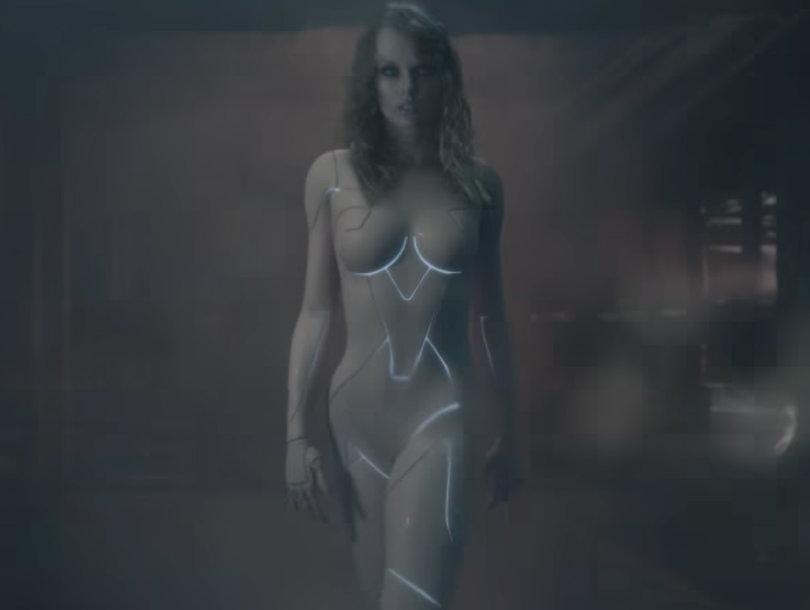 'Ready for It?' Taylor Swift Looks Naked In Music Video Sneak Peek