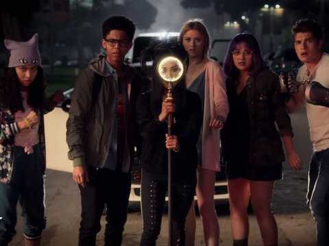 'Marvel's Runaways' Trailer: Evil Parents, Powers and Even a Dinosaur