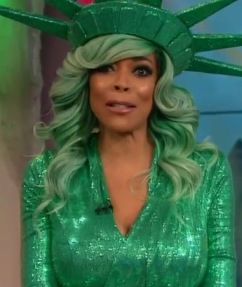 Wendy Williams Fainting Is No Joke, But Twitter LOLs Anyway: 15 Savage Reactions
