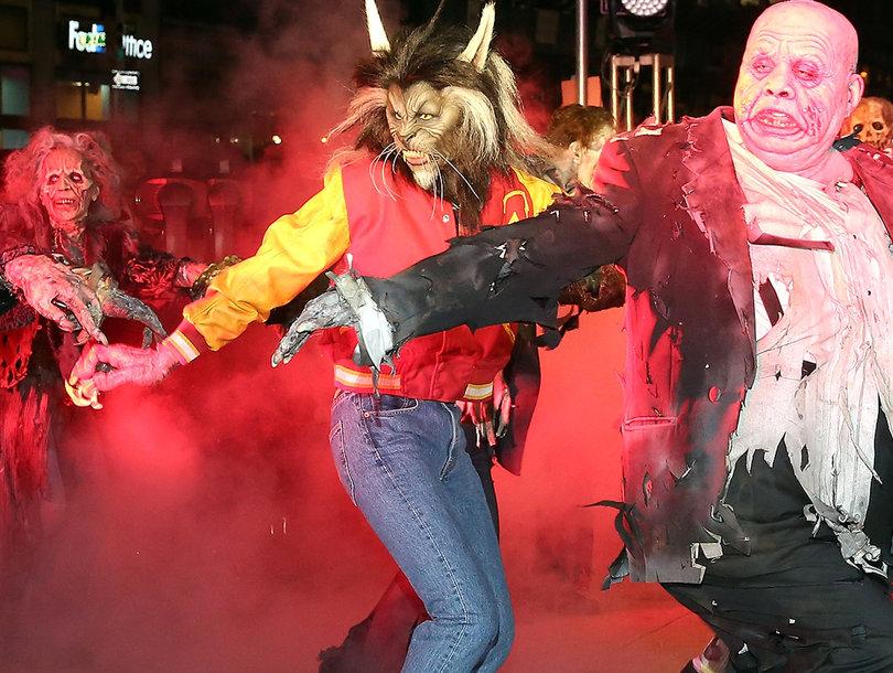 Watch Heidi Klum Nail Michael Jackson's 'Thriller' Dance In Full Werewolf Costume