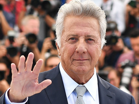 Dustin Hoffman's 'Death of a Salesman' Director Defends Actor From Sexual Harassment…