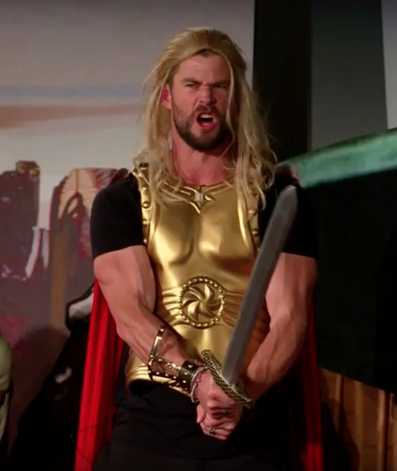 'Thor: Ragnarok' Cast Surprises Audience With Live Performance of Entire Movie