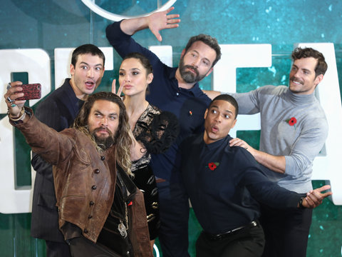 The 'Justice League' Strikes a Pose for Epic Selfie