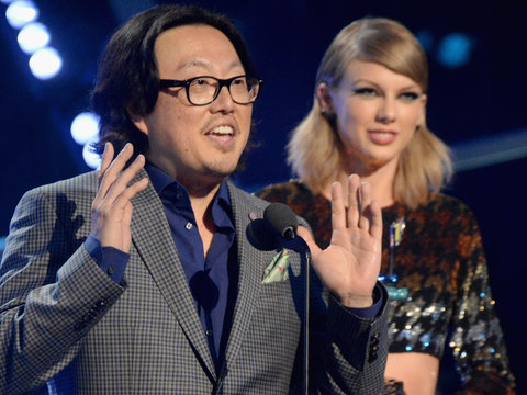 Taylor Swift's Music Video Director Defends Her From 'F-cking Idiots'