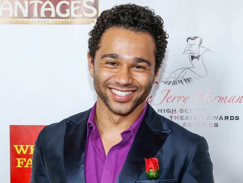 Watch Corbin Bleu Fanboy Over 'Stranger Things' Cast Watching ...