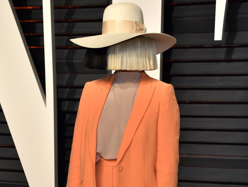 Sia Shares Her Own Nude Paparazzi Photo for Sale: 'Save Your Money'