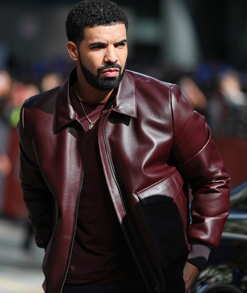 Drake Threatens Creeper Touching Girls at His Show