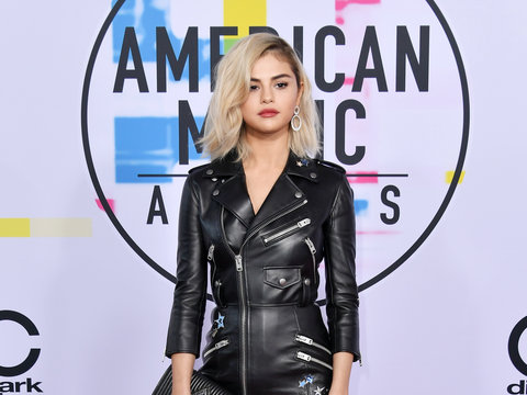 American Music Awards -- All the Red Carpet Looks