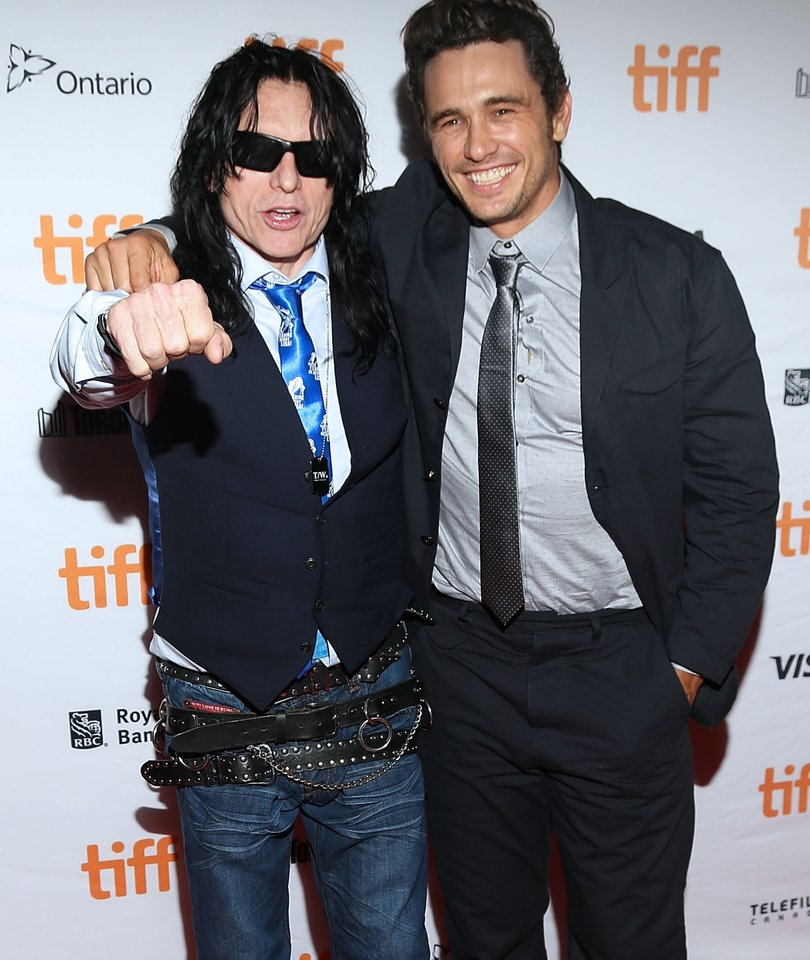 Tommy Wiseau Shows James Franco How to Throw a Football
