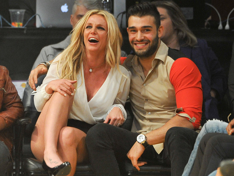 Britney Spears Cozies Up to Boyfriend at Lakers Game with Her Sons
