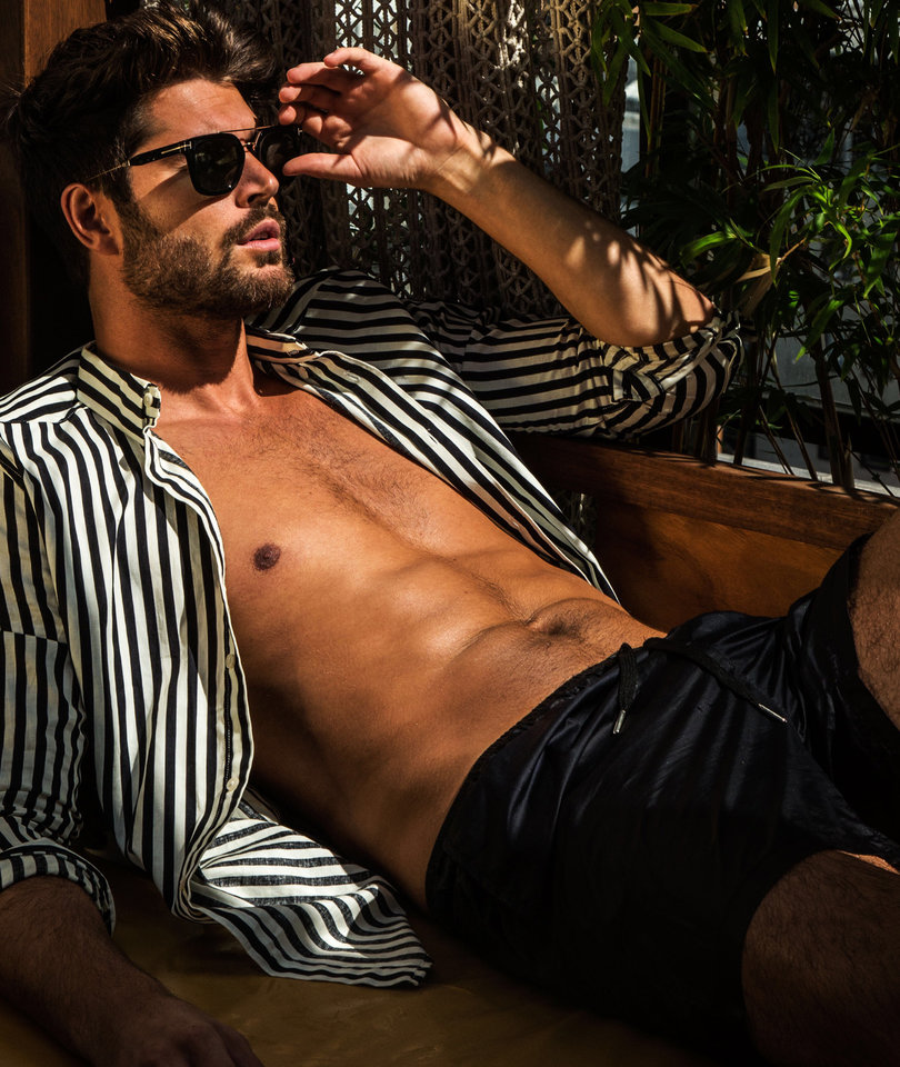 No, Instagram Adonis Nick Bateman Will Not Sell You Sperm
