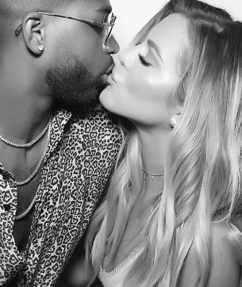 Twitter Explodes Over Khloe's Baby Announcement: Sweet & Savage Reactions