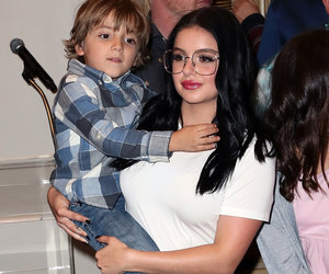 Ariel Winter Flaunts Tight Stomach at 'Modern Family' Kids Holiday Party