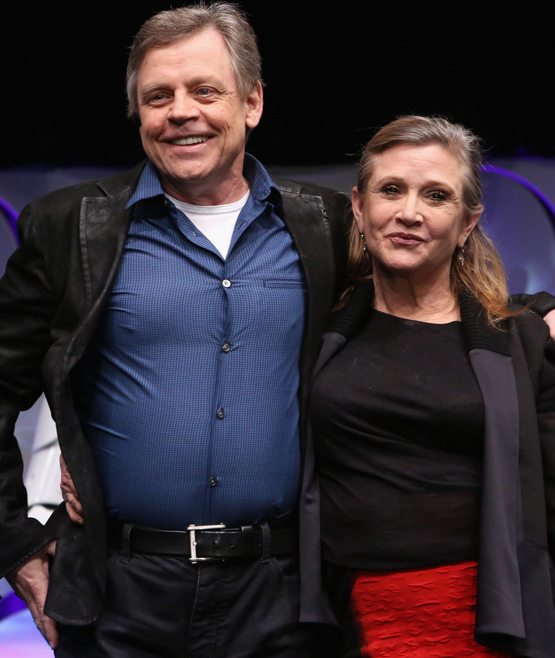 Mark Hamill Posts Carrie Fisher Tribute, Recants 'Last Jedi' Criticism
