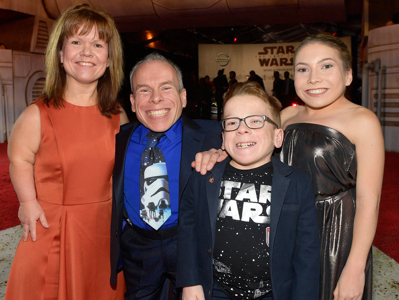 'Star Wars' Actor Warwick Davis Scolds Twitter for Allowing 'Abusive' Tweets About His Size
