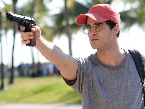 Darren Criss Compelling in Somewhat Unconvincing 'American Crime Story'