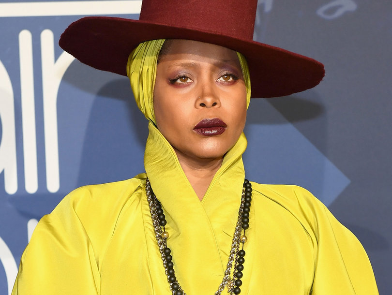 Erykah Badu Sticks Up for Hitler, Cosby, Trump and Twitter Is as Angry as You'd Expect