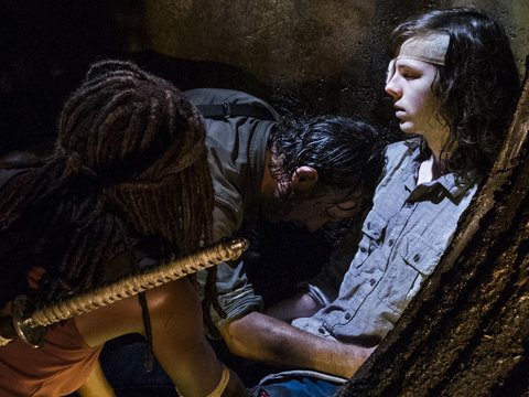 'Walking Dead' Returns with Huge Goodbye, Major WTF Moment and Flash-Forward