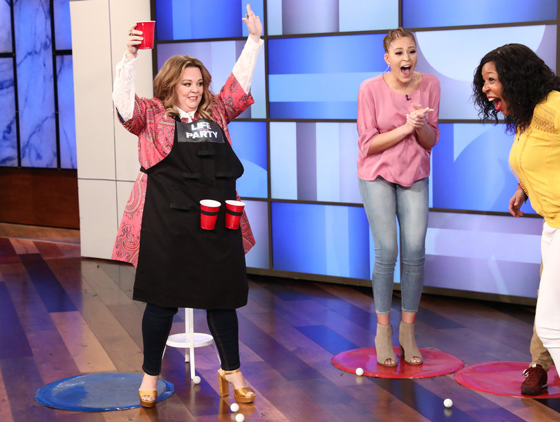 Melissa McCarthy and Ellen Change the Lives of a Mother/Daughter Duo with a Game of Beer Pong