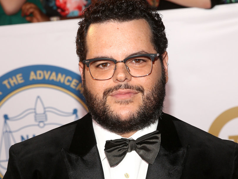 Josh Gad Rips 'Worthless Leaders' After Friend Loses Child in Parkland Florida Shooting